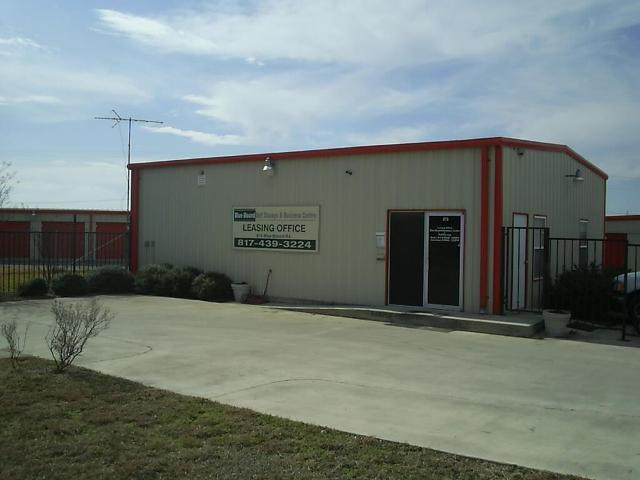 Locally owned and operated storage facilities treat you right!